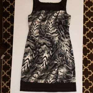 Emma & Michele grey print dress size 8